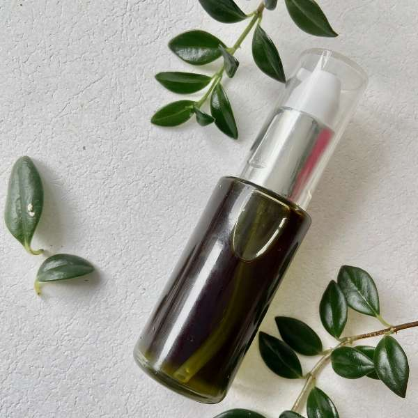 Hidratación de la piel con aceite de moringa