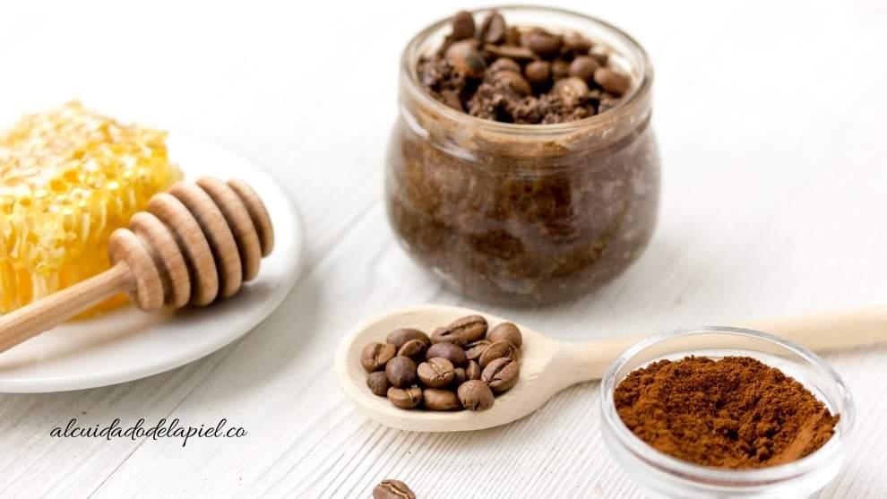exfoliantes naturales para la cara de café y miel