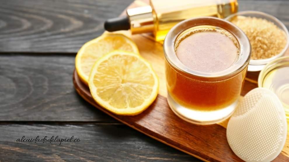 Beneficios de la miel y el carbón activado