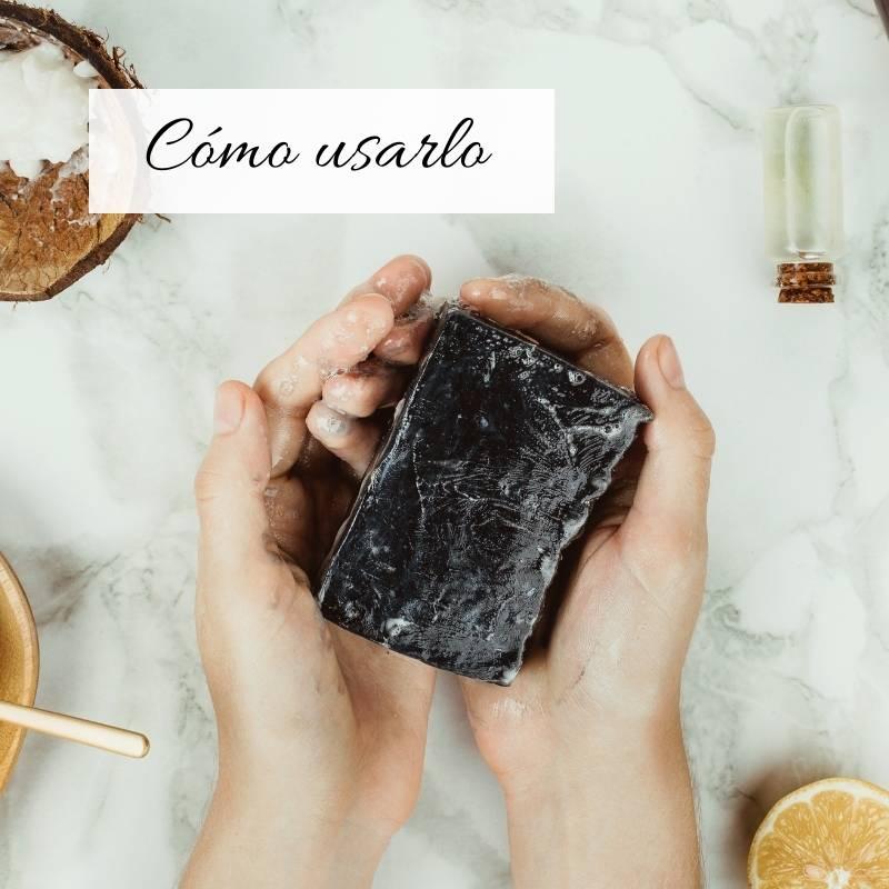 usar el jabón de carbon activado
